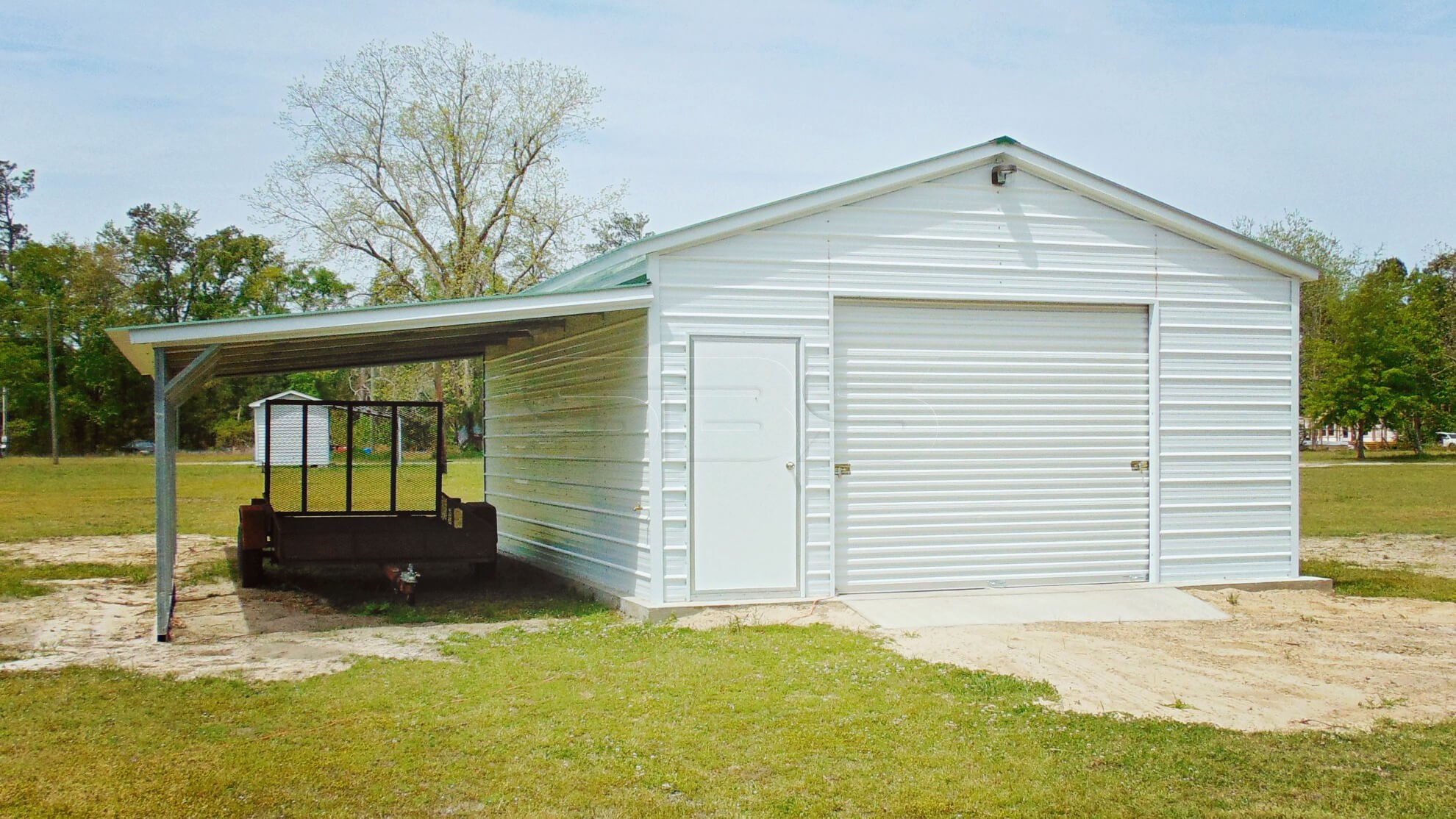 20'x26' Enclosed Garage with Lean-to